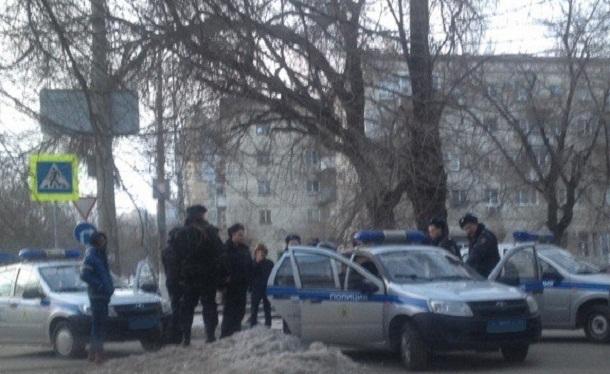 Афроамериканец покусал полицейских в центре Волгограда