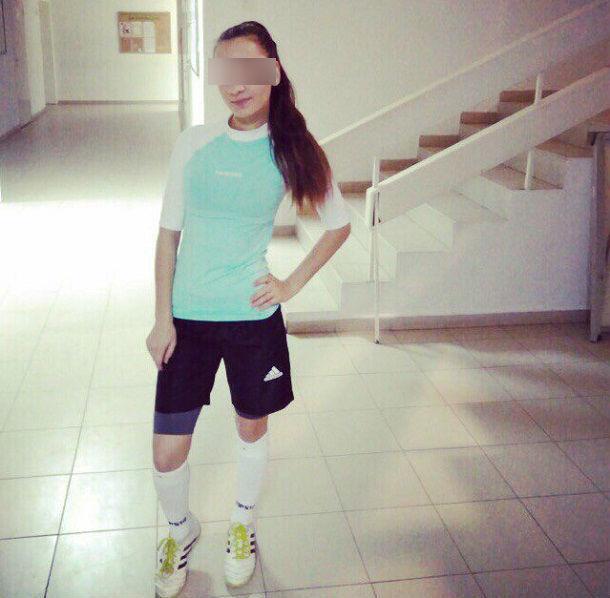 Волгоградцы позавидовали красавице-спортсменке в футбольной форме