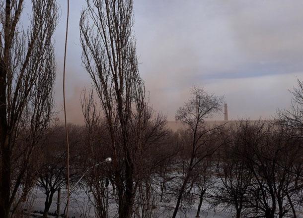Алый удушающий смог окутал север Волгограда