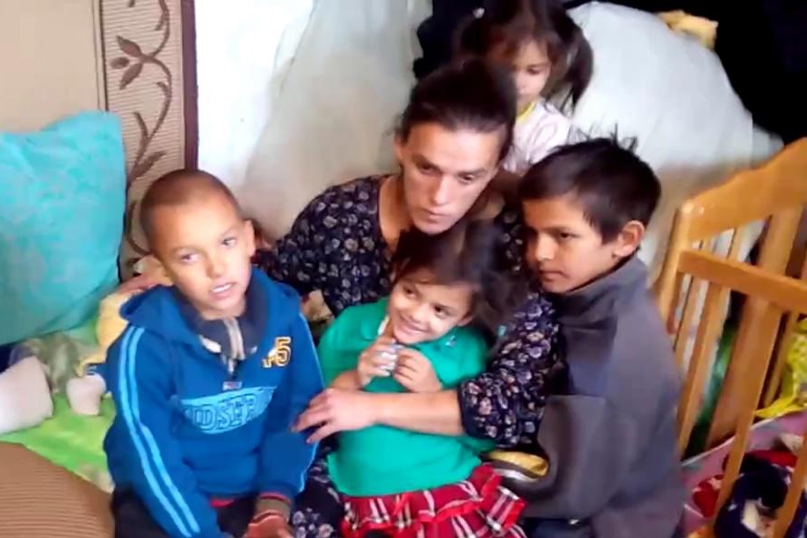 Одежда и канцтовары срочно нужны пятерым детям, выжившим на пожаре в Волгограде
