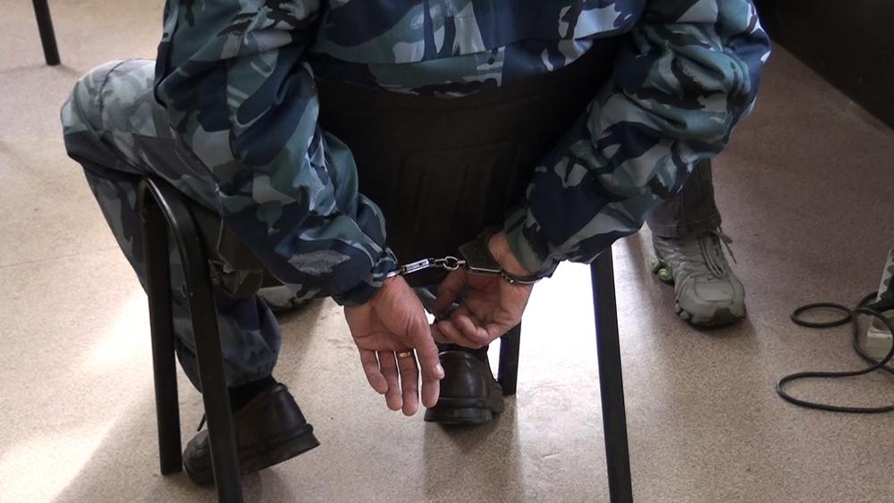 В Волгограде с пакетами наркотиков задержали сотрудника УФСИН