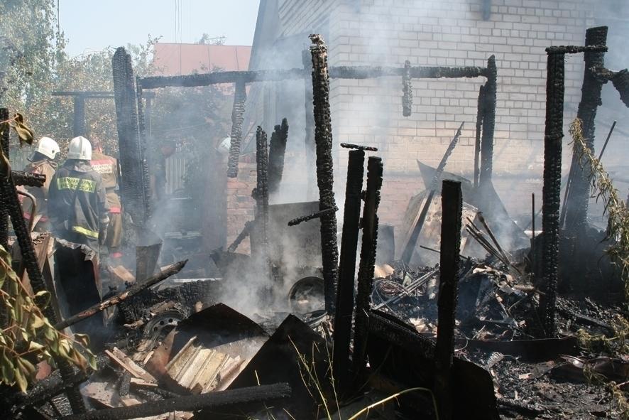 Под Волгоградом на пожаре погибла женщина