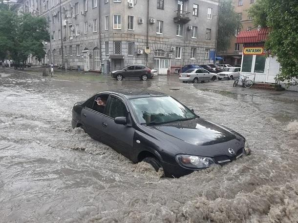 В центре Волгограда парализована работа электротранспорта
