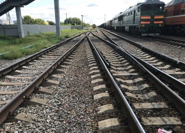 Волгоградец стащил из поезда 190 слитков алюминия
