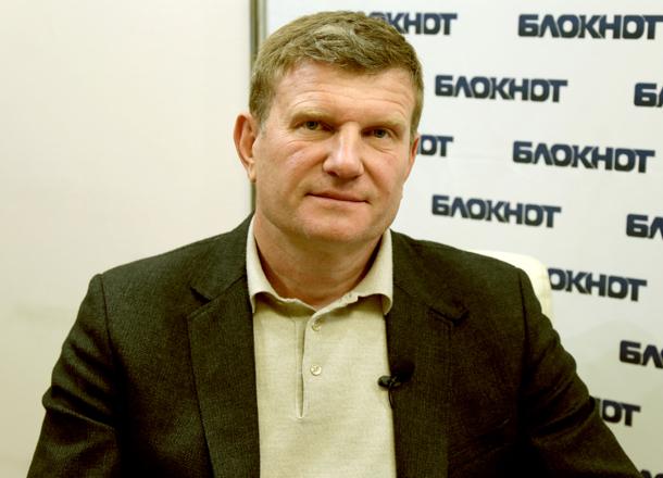 Это сколько надо было покурить, чтобы отдать общественный транспорт Волгограда непонятной иногородней компании, - Олег Савченко