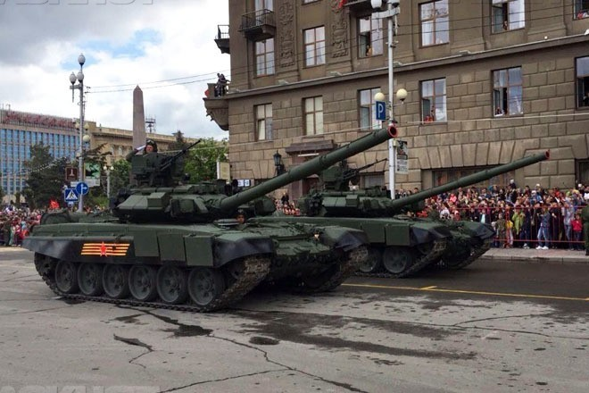 Парад 9 мая в Волгограде: «Тигр», «Торнадо», «Виллис» пройдут по площади Павших борцов