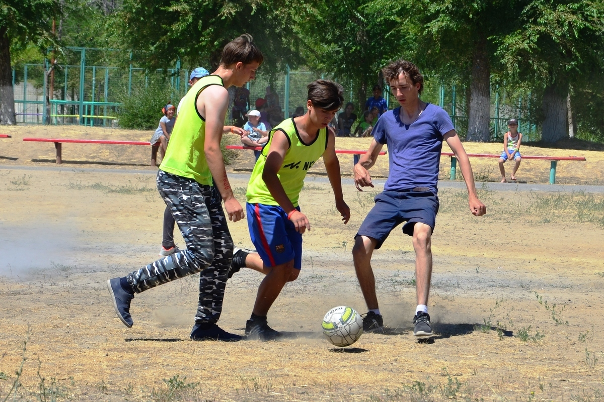 Около 90 тысяч волгоградских школьников отправятся летом в лагеря
